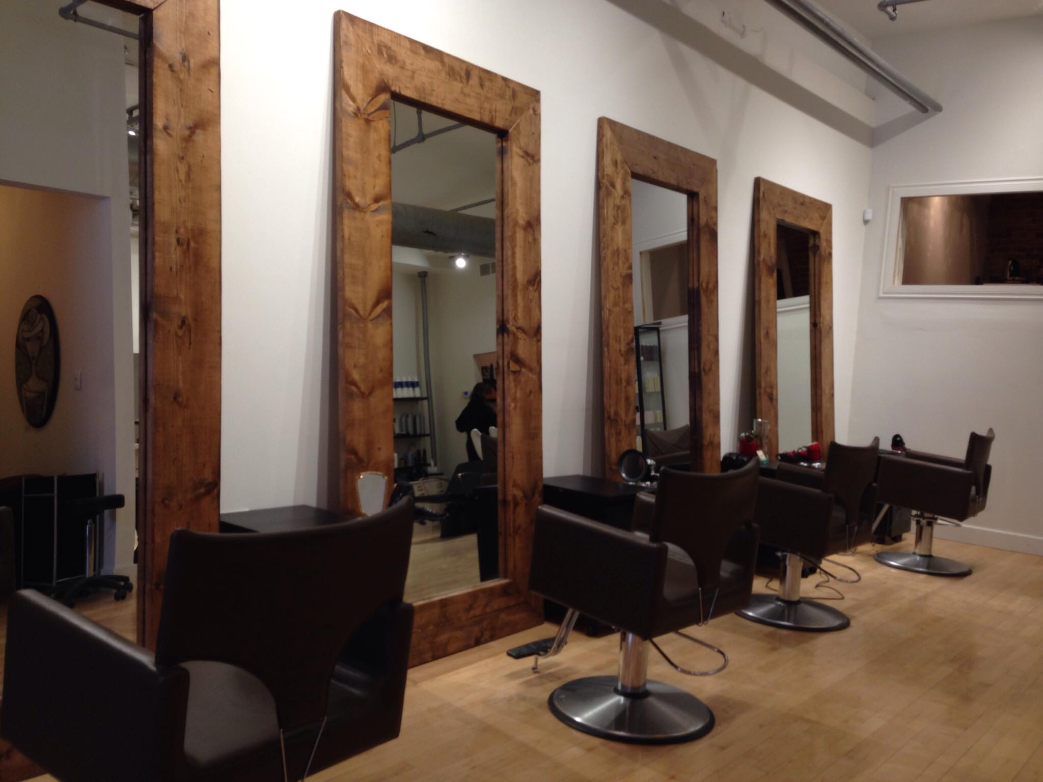 Awesome salon coiffure montreal contemporary awesome for Salon coiffure rue st laurent