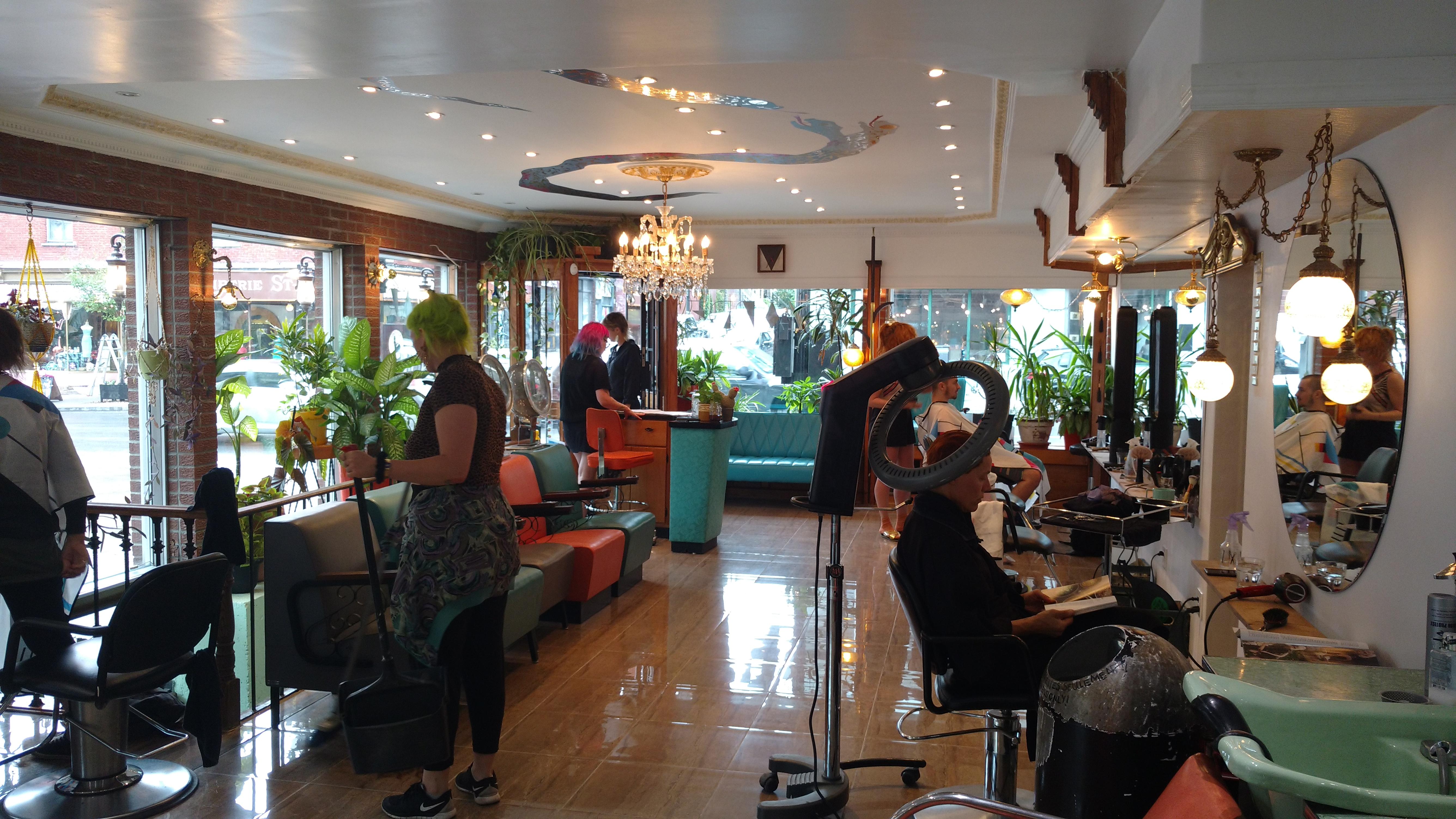 Bizarde sdbsl boulevard saint laurent - Salon coiffure rue st laurent ...